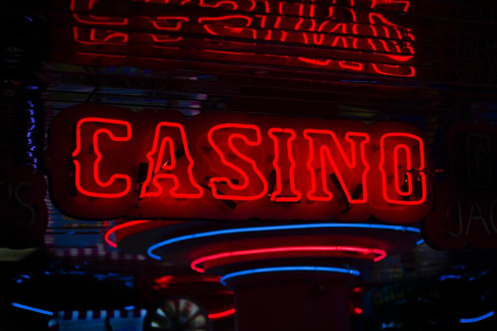 Why Online Casino Games Attract So Many People